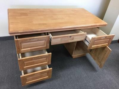 橡木写字台